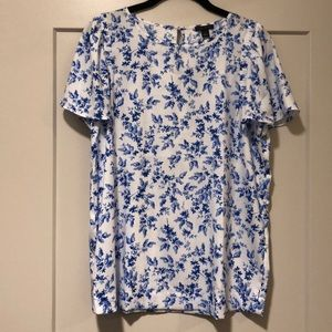 Ann Taylor NWOT blue and white silky top - size S!